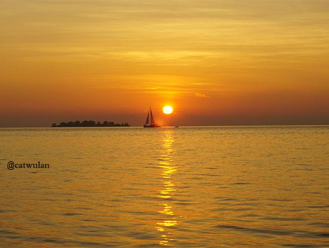 sunset dari atas kapal, beautiful karimun jawa
